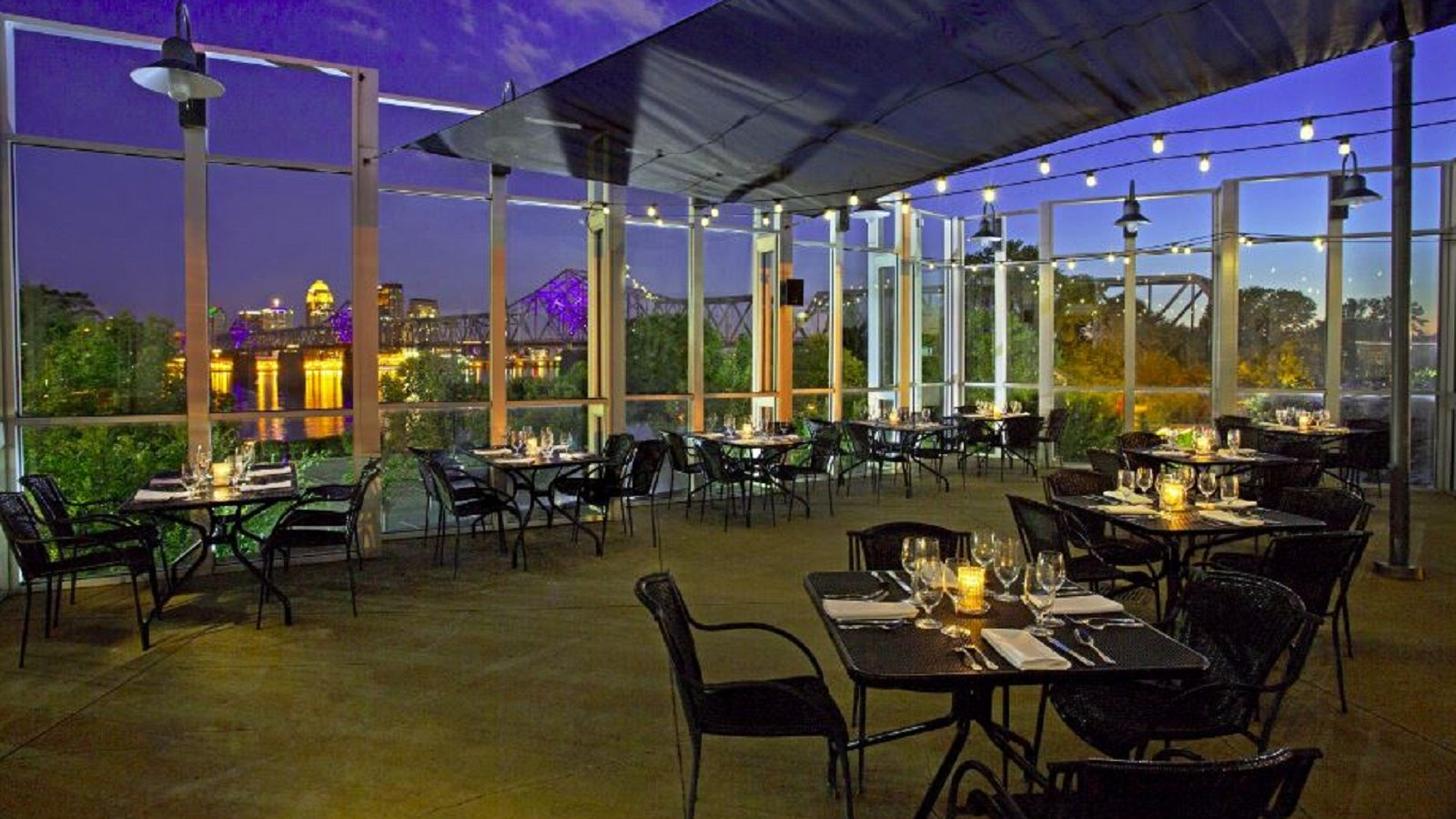 Louisville Bristol Bar and Grille, Terrace